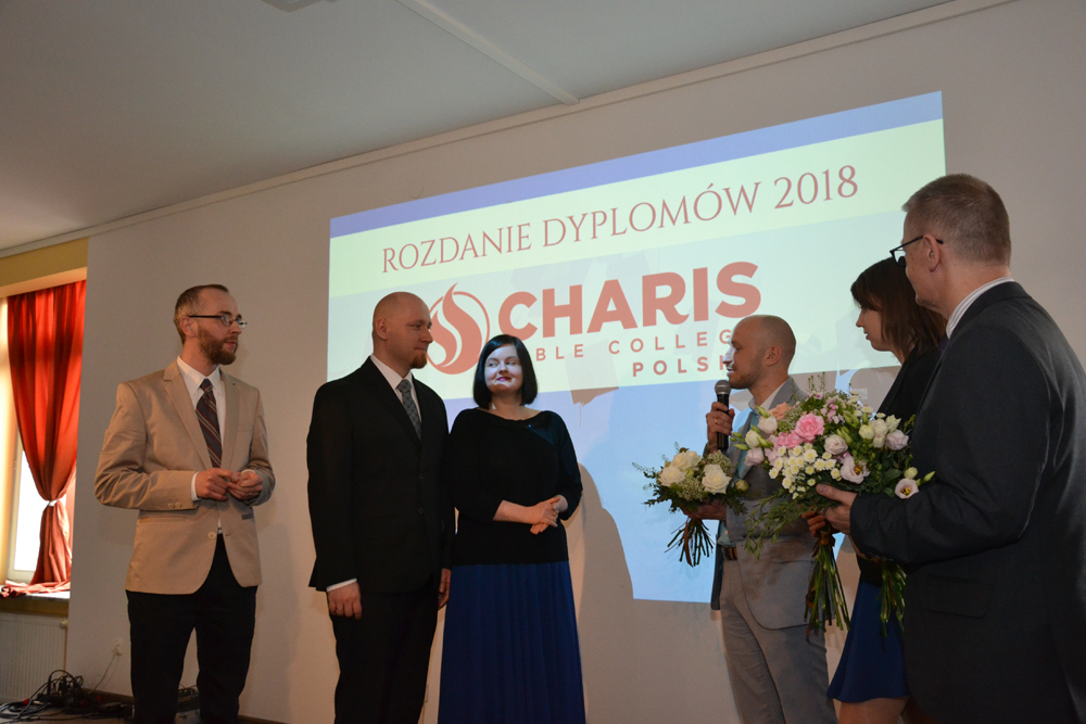 Absolwenci Charis 2018
